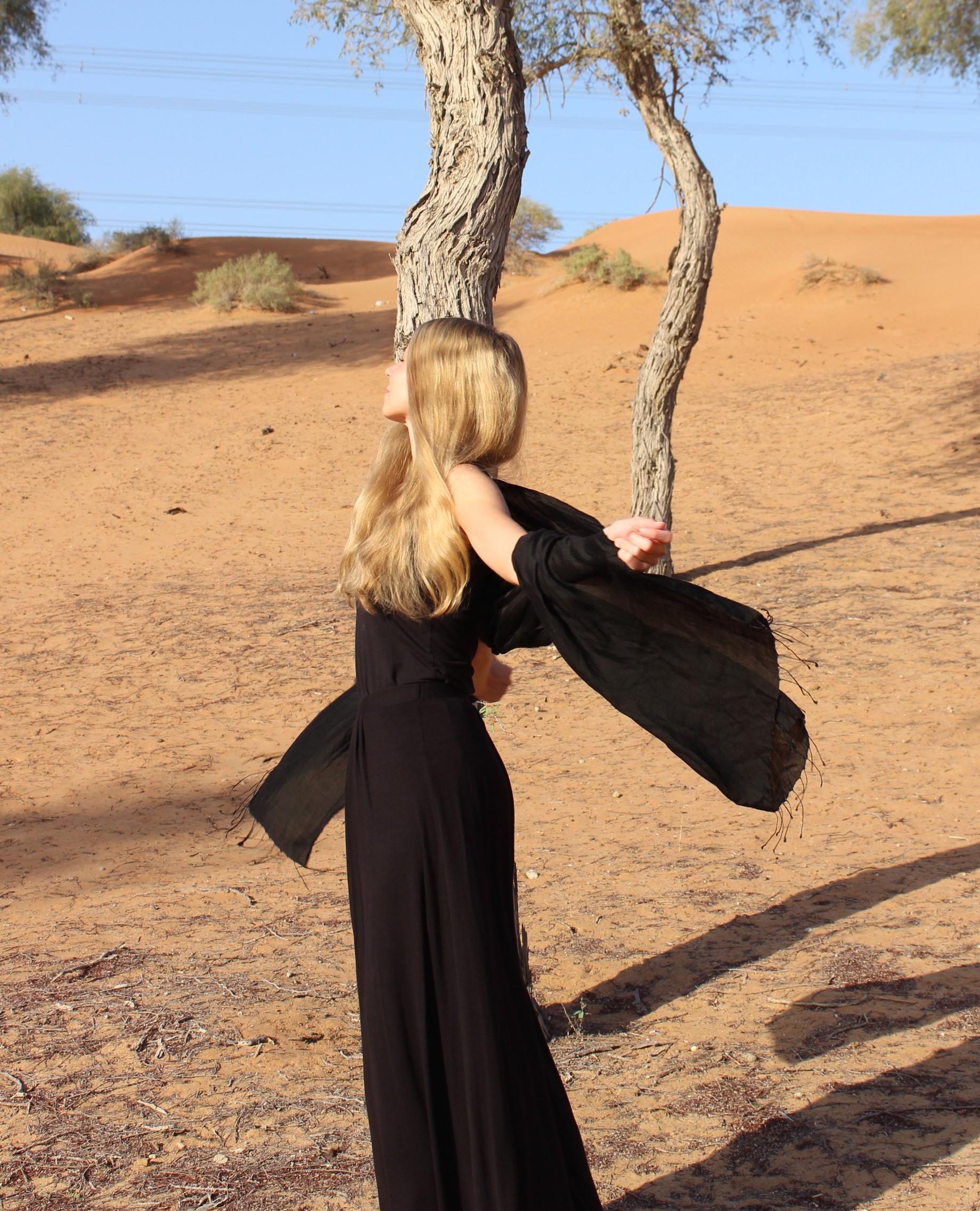 how to dress in dubai? -