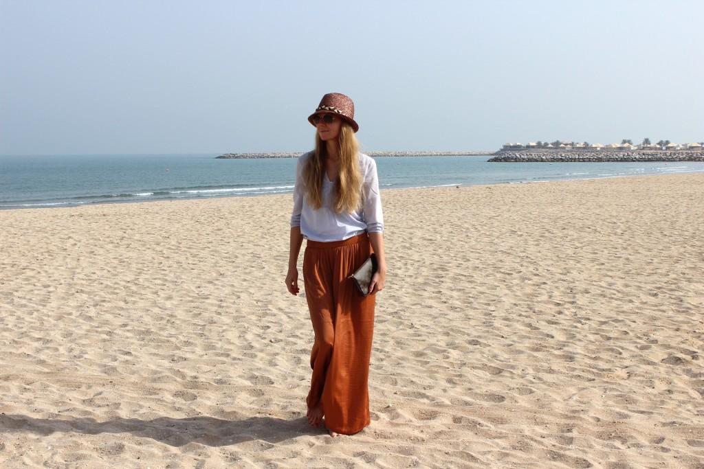 Outfit Dubai Hellblau Rost Maxirock