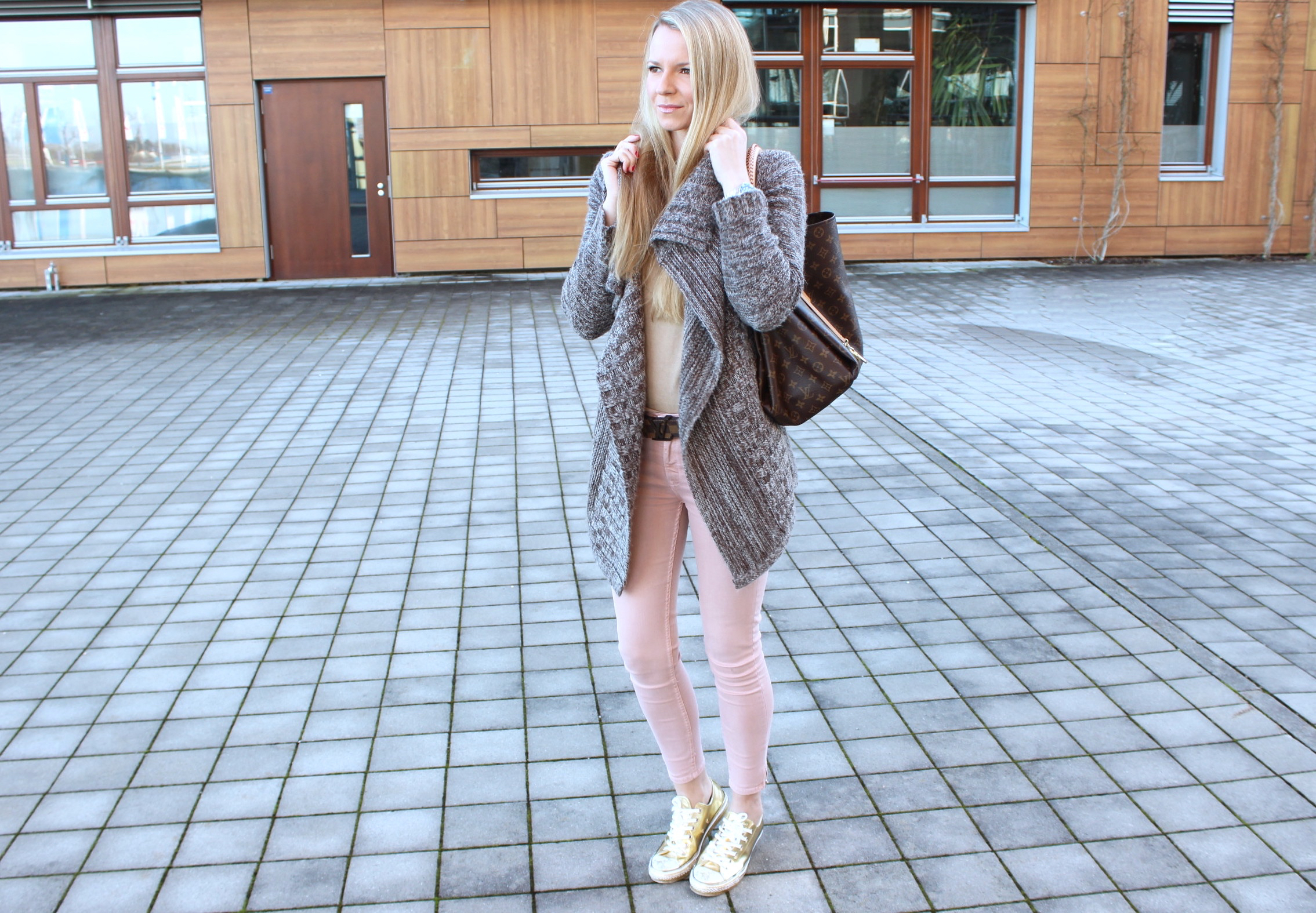 outfit scarpe converse