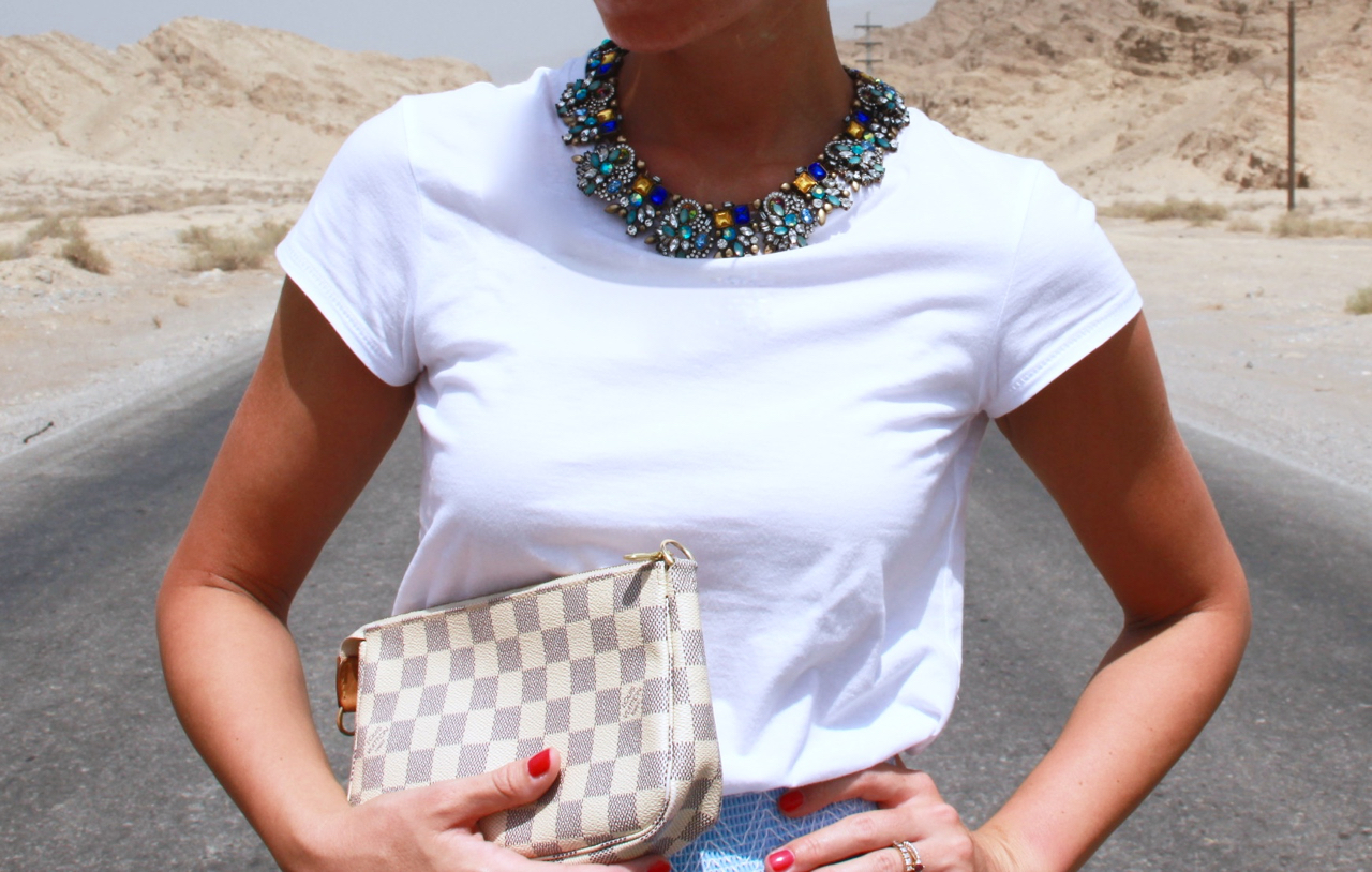 HELLBLAUER MIDI ROCK IN DEN JEBEL JAIS MOUNTAINS Rock Fashion Mode Lifestyle HappinesBoutique Zara Asos LouisVuitton LV Pochette LV Jennifer PepperAndGold Outfit