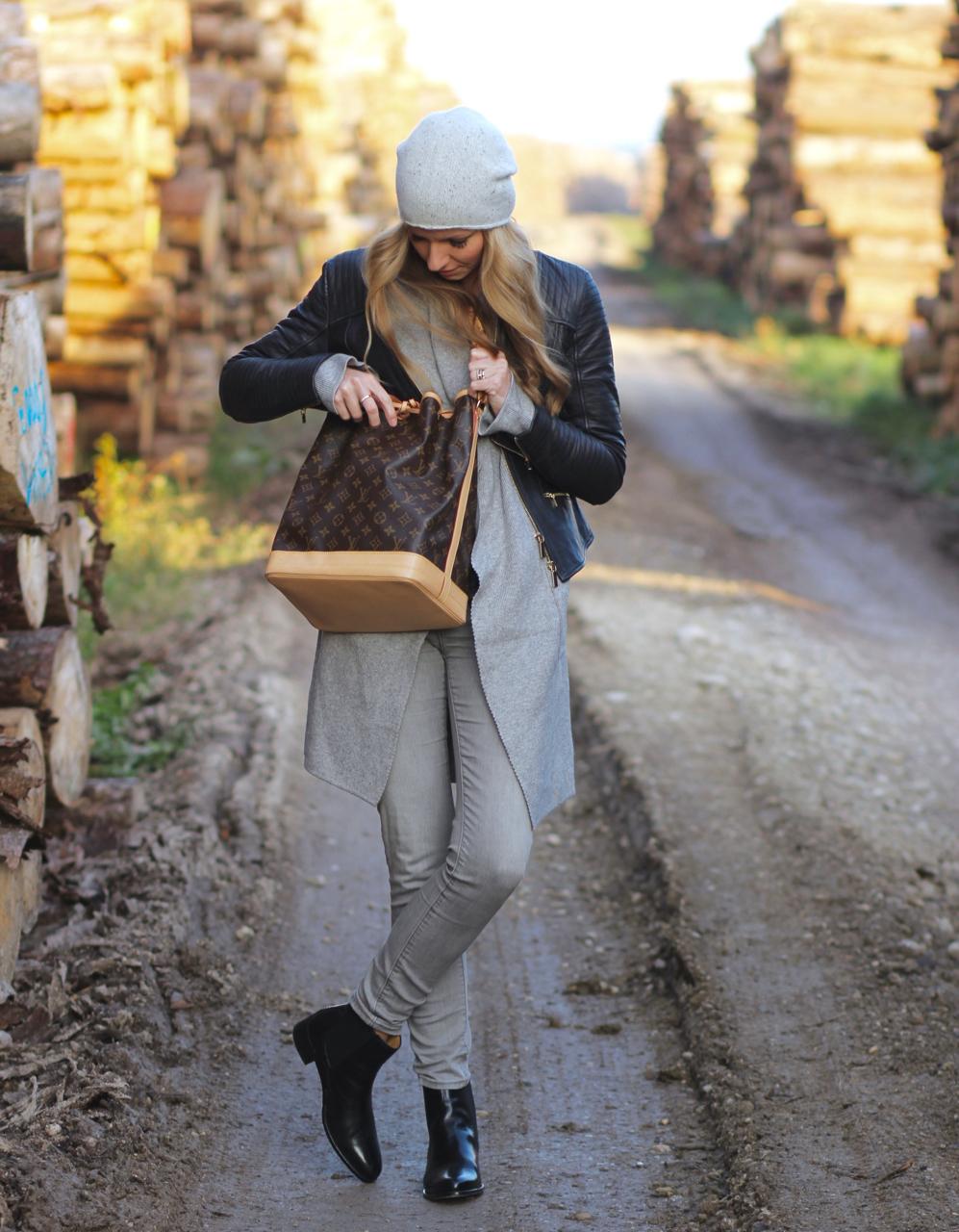 Herbstoutfit in Grau und Schwarz Melvin&Hamilton Schuhe Boots Outfit Herbst Fall Autumn COS LV LVOE LouisVuitton Vuitton Noé PetitNoé GrandeNoé Levi's Jeans Casual Denim Wool CamisoleTop Zara Fashion Mode PepperAndGold Jennifer FrauHuegelWürzburg