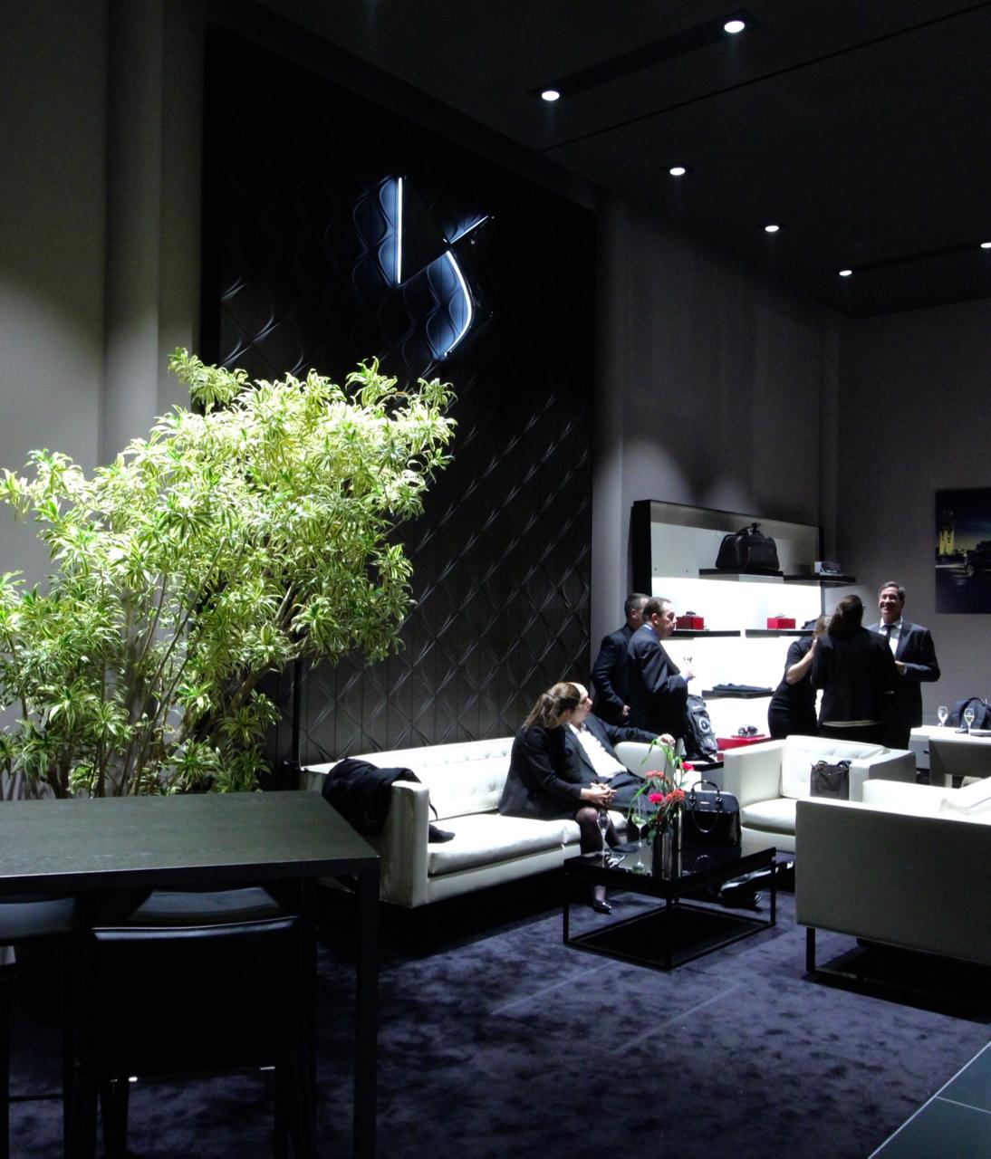 DS Store Hamburg Opening Cars Automobile DSAutomobiles Hamburg Eröffnung Showroom Autos ConceptCar Showcar Sportwagen Limousine ETense DSPerformance Eröffnungsfeier PepperAndGold DS3 DS5 DS4 Göttin