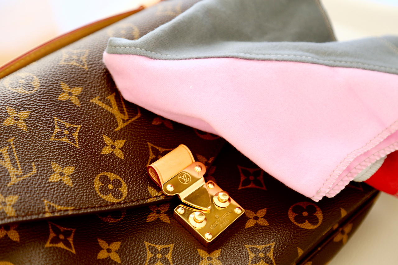 Louis Vuitton Pochette Métis Review Jennifer PepperAndGold Testbericht Review Taschen Bags LVOE LV Vuitton WhatsInMyBag Lifestyle Fashion