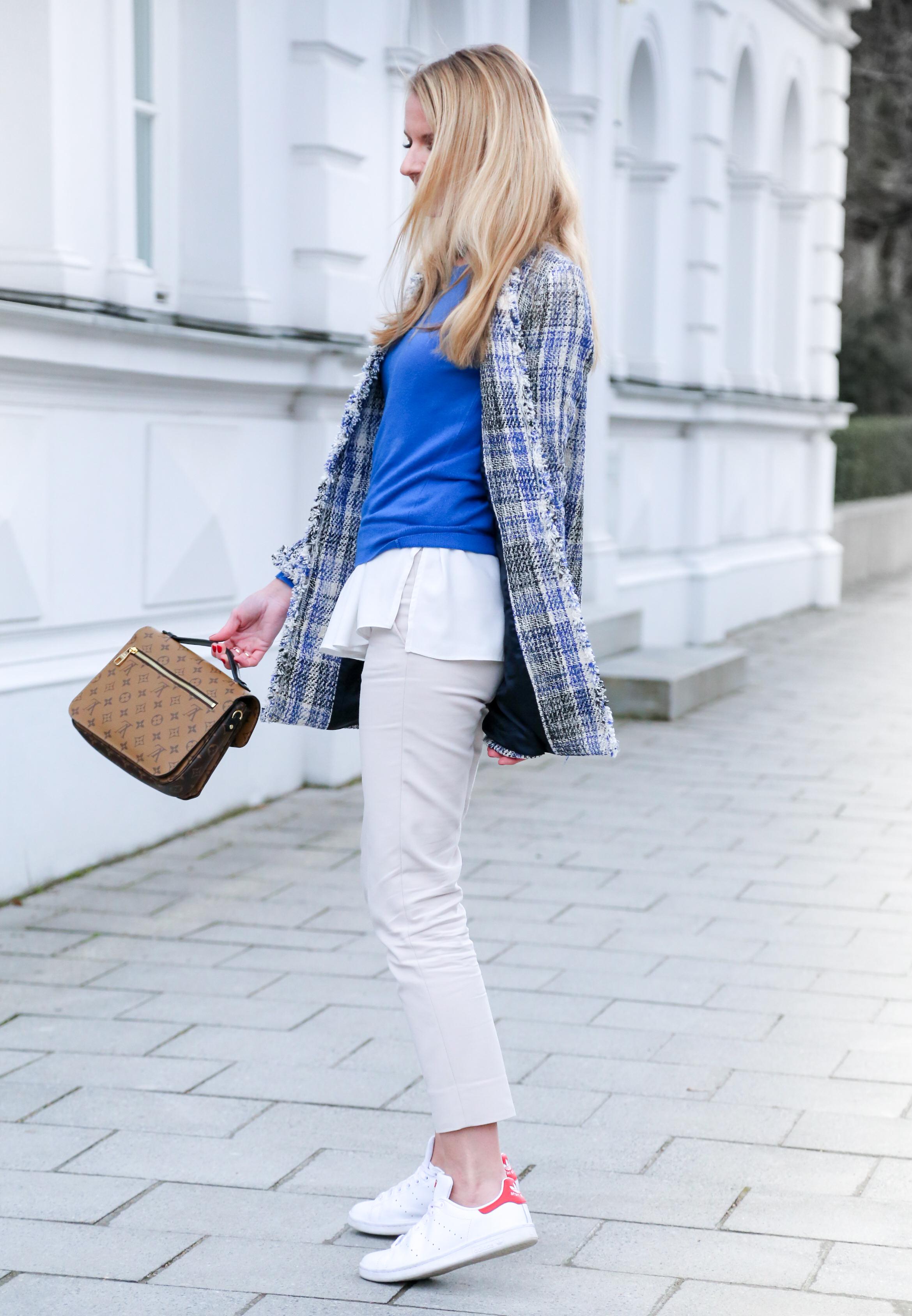 HELLO SPRING mit Tweed Mantel, Chino und Pochette Métis Revers Zara Benetton Adidas StanSmith Asos LV LouisVuitton LVOE Metis Fashion Outfit Jennifer PepperAndGold