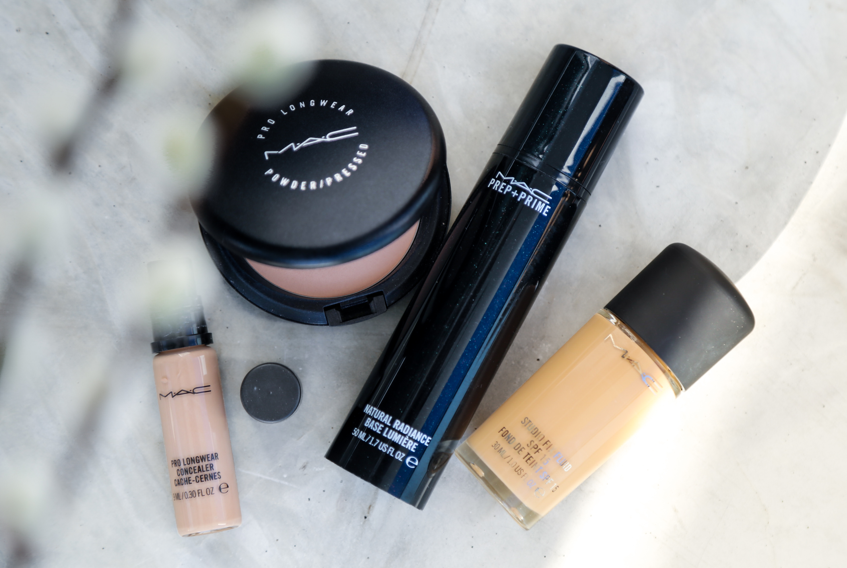 Beauty Routine mit MAC Produkten Jennifer Test Kosmetik Cosmetics Concealer Powder Puder Foundation Schminken PepperAndGold PrepAndPrime ProLongwear