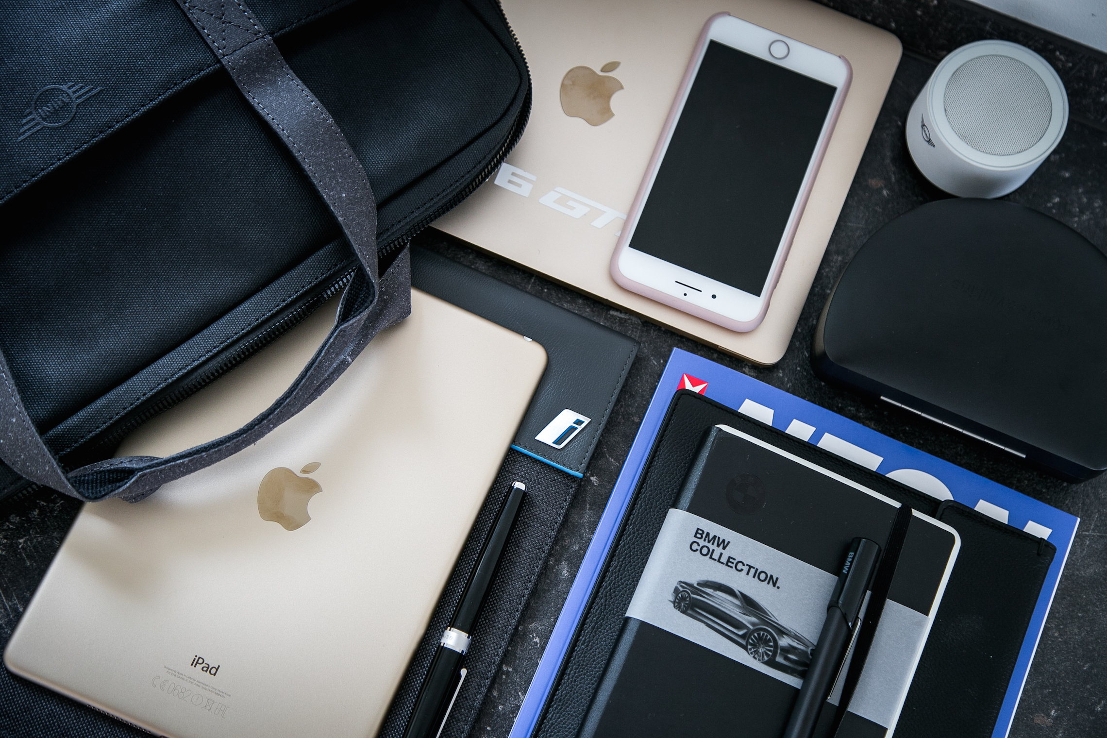 What`s in my Business bag BMW Bowers&Wilkens SanDisk Apple BMWCollection Moleskine Mini iPad MacBook Taschen Bags PepperAndGold