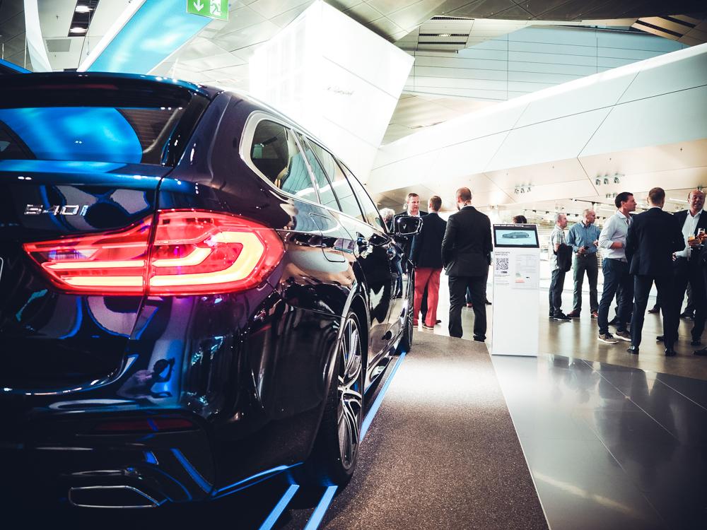 A Gentleman's World in der BMW Welt München Bavarie BMW BMWWelt BMWMuseum Vierzylinder BMWAG Feinkost Käfer Fahrzeugabholung Shop Lifestyle Veranstaltungen Cars Autos München Munich