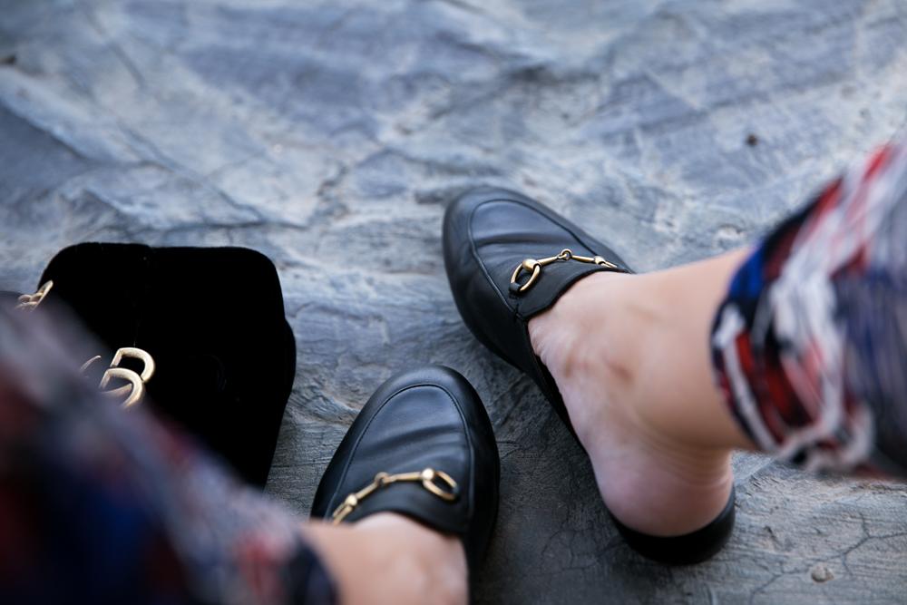 Meine Reisegewohnheiten und ein herbstliches Outfit Dubai München Gucci Fashion Mode Outfit MyLook Prada Sonnenbrille Sunclasses MassimoDutti Verreisen Flugreise Emirates BuisnessClass Flugreise Flights Princetown Slipper Marmont Alila Hotel Oman Alila Jabal Akhdar Hotel