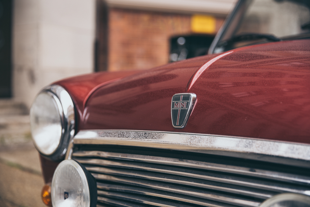 Sonntagsoutfit und ein toller MINI Oldtimer Outfit Fashion Mode HugoBoss Ganni VeroModa Mini Fashionpost Lifestyle Boss Herbst Fall Autumn Oldtimer Car Cars HistoricalCars Sunday Sonntag Wochenende Weekend Weste