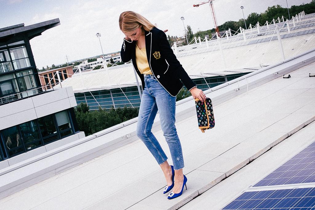 Blazer kombinieren #2: Mom Jeans und Manolo Blahnik Pumps Denim LouisVuitton Styling Outfit Fashion Style Casual Denim Fashion Jennifer Louis Vuitton LouisVuitton LV Mode Outfit Manolo Manolo Blahnik Manolos Pumps Blazer Blazer kombinieren Buisness Freizeit