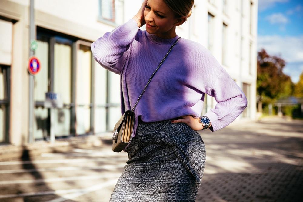 Trendfarbe Lila und 5 Gründe den Herbst zu lieben Fall 2017 Fashion Herbst Kariert Knitwear Lila Outfit Jennifer Mode Asos RiverIsland Gucci Louboutin Christian Louboutin