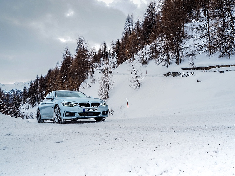 BMW 4er Gran Coupé im Schnee BMW Driving Experience Ice and Snow