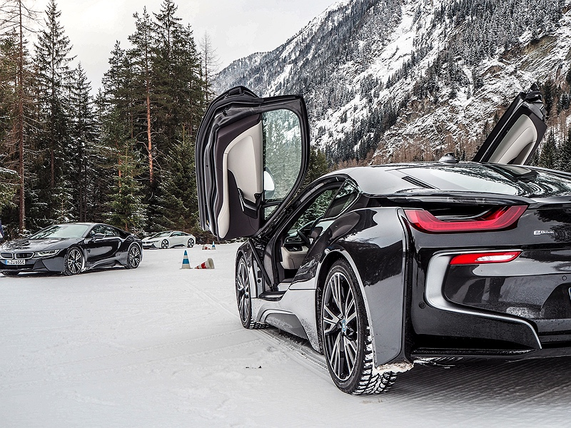 BMW i8 im Schnee BMW Driving Experience Ice and Snow