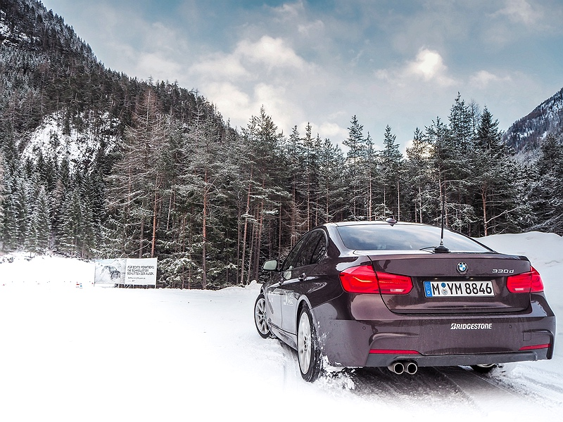 BMW 330d im Schnee BMW Driving Experience Ice and Snow