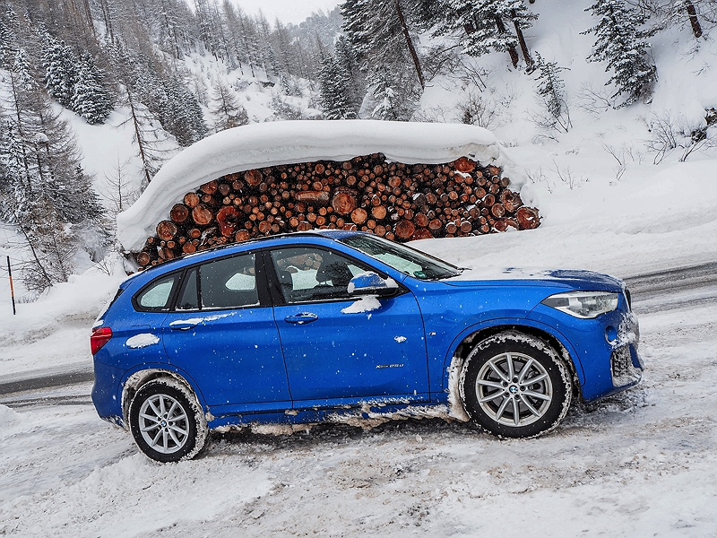 BMW X1 BMW Driving Experience Snow and Ice Winterlandschaft Tirol