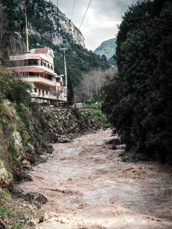 Der Libanon - viel mehr als nur Beirut Seilbahn zur Jeita Grotte