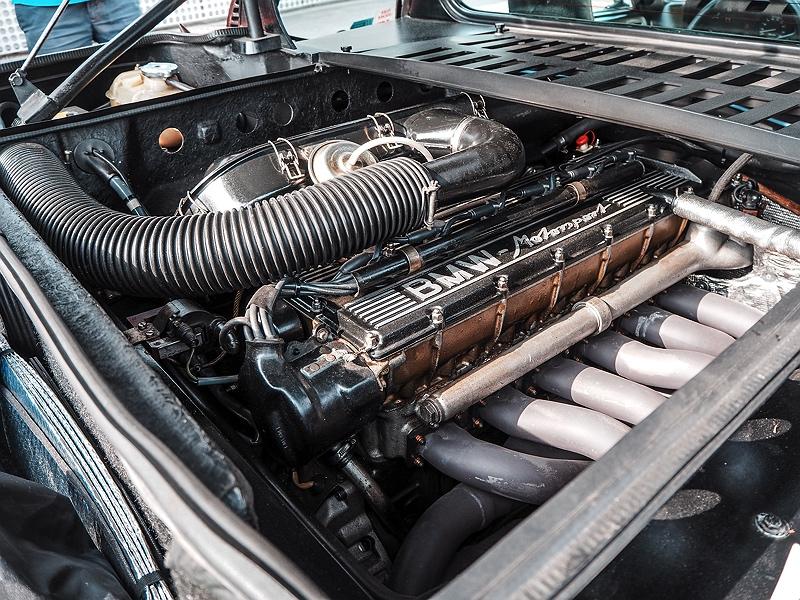 BMW M1 Motorraum