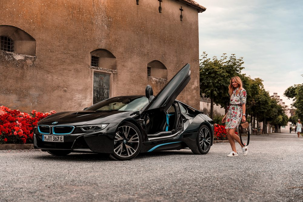 BMW i8 Fashionblogger