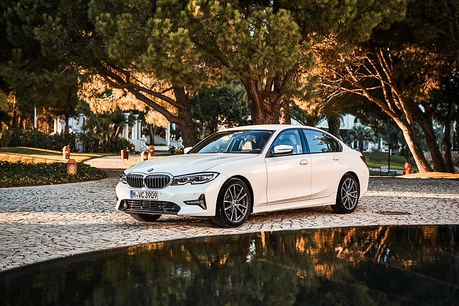 BMW-3er-320i-Testbericht-Mineralweiß-2_
