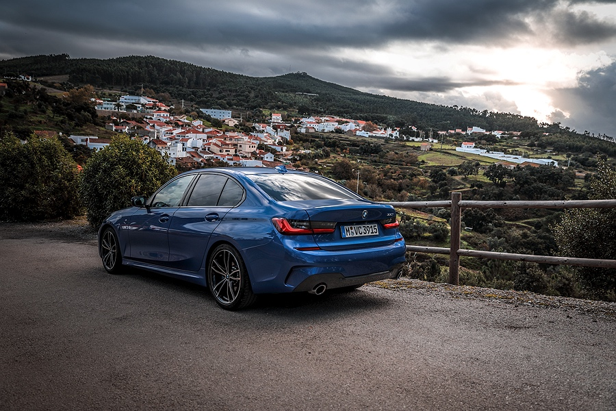 BMW-3er-Portimao-Blau-Test_